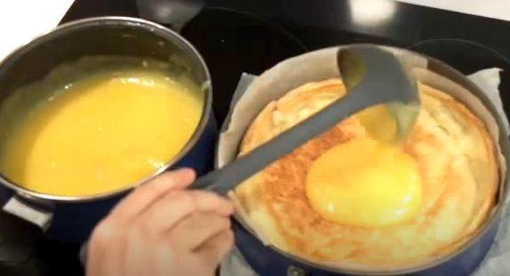 Rellenando el hojaldre con la crema