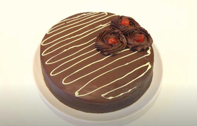 Tarta de chocolate doble lista